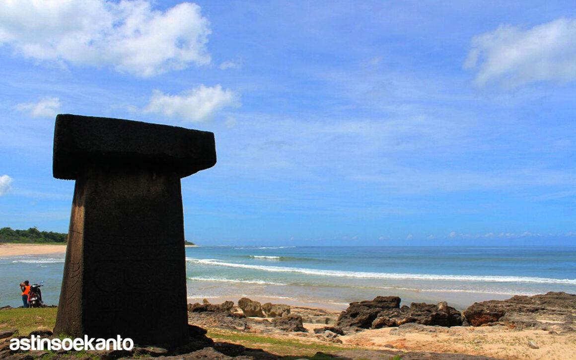 Pantai Rategaro Sumba