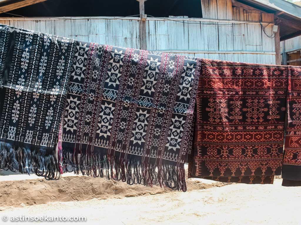 Kain Tenun Desa Sikka Maumere