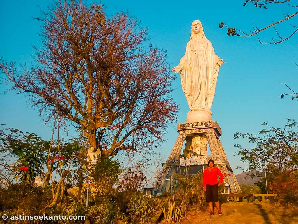 Patung Bunda Maria Bukit Nilo Maumere