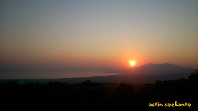 Sunrise Bukit Bunda Maria Maumere