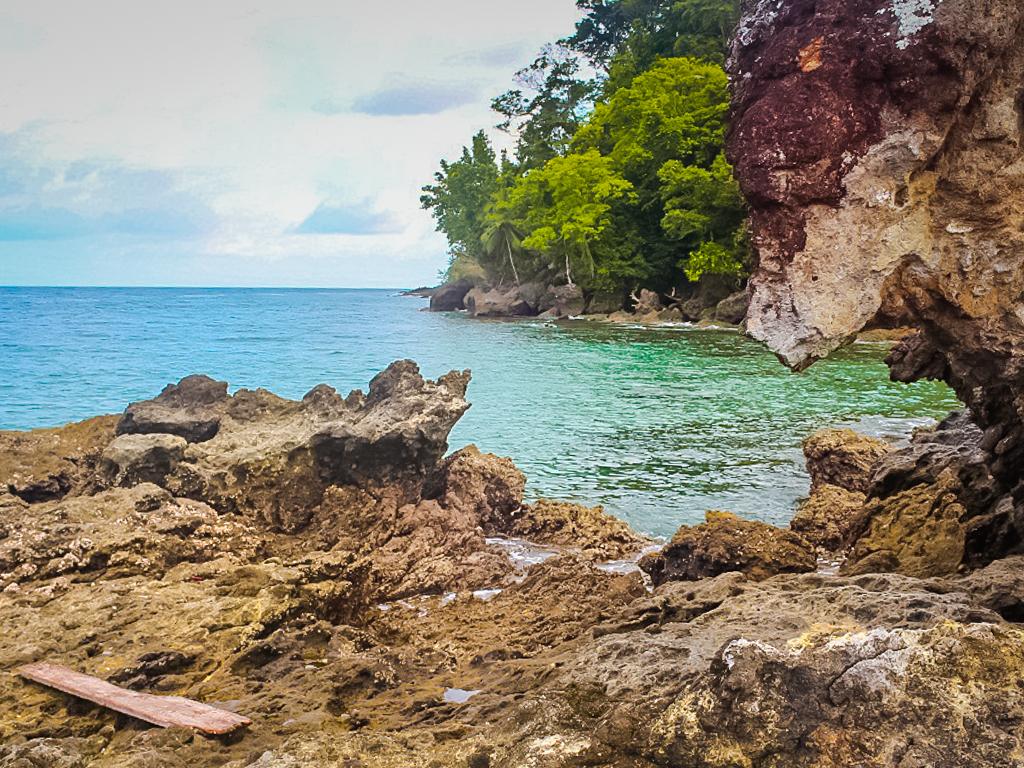 Pantai di Ambon, Pantai Batu Kuda
