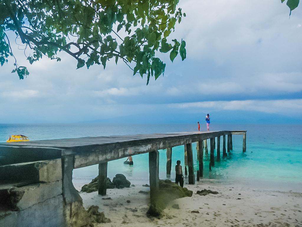 Pantai Liang Ambon
