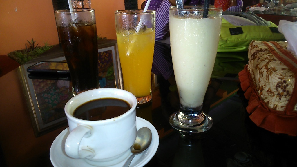 sajian kopi di kampung kopi banaran