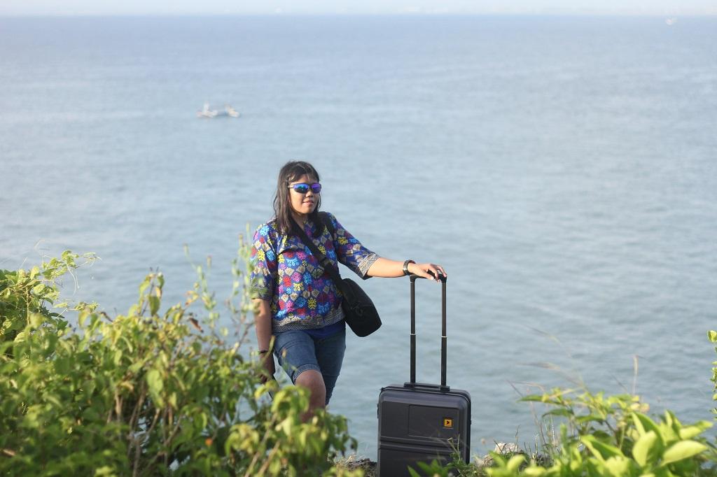 Pantai Balangan Bali dengan Koper Kalibre