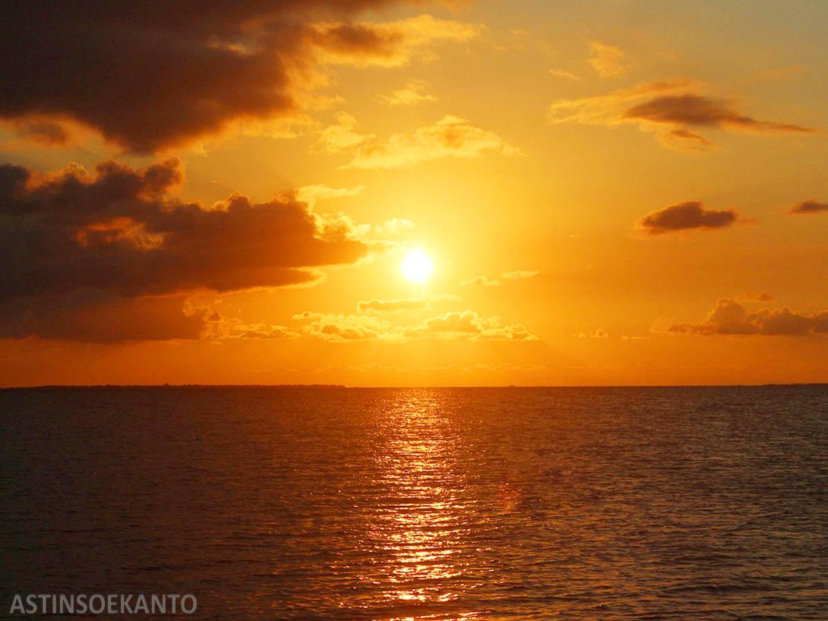 Senja di Pulau Selayar Takabonerate