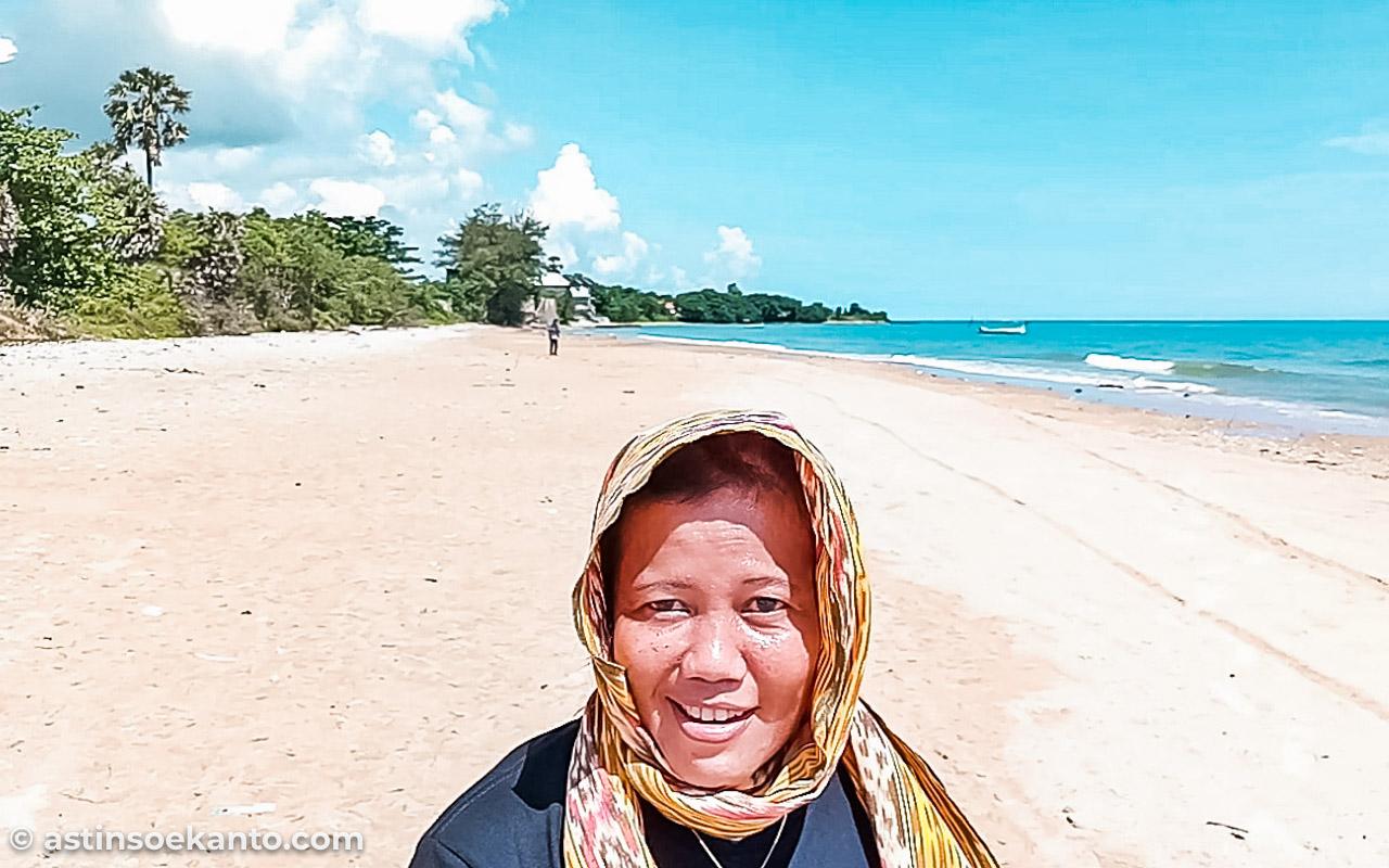 Pantai Tanpa Nama di Batu Putih Sumenep