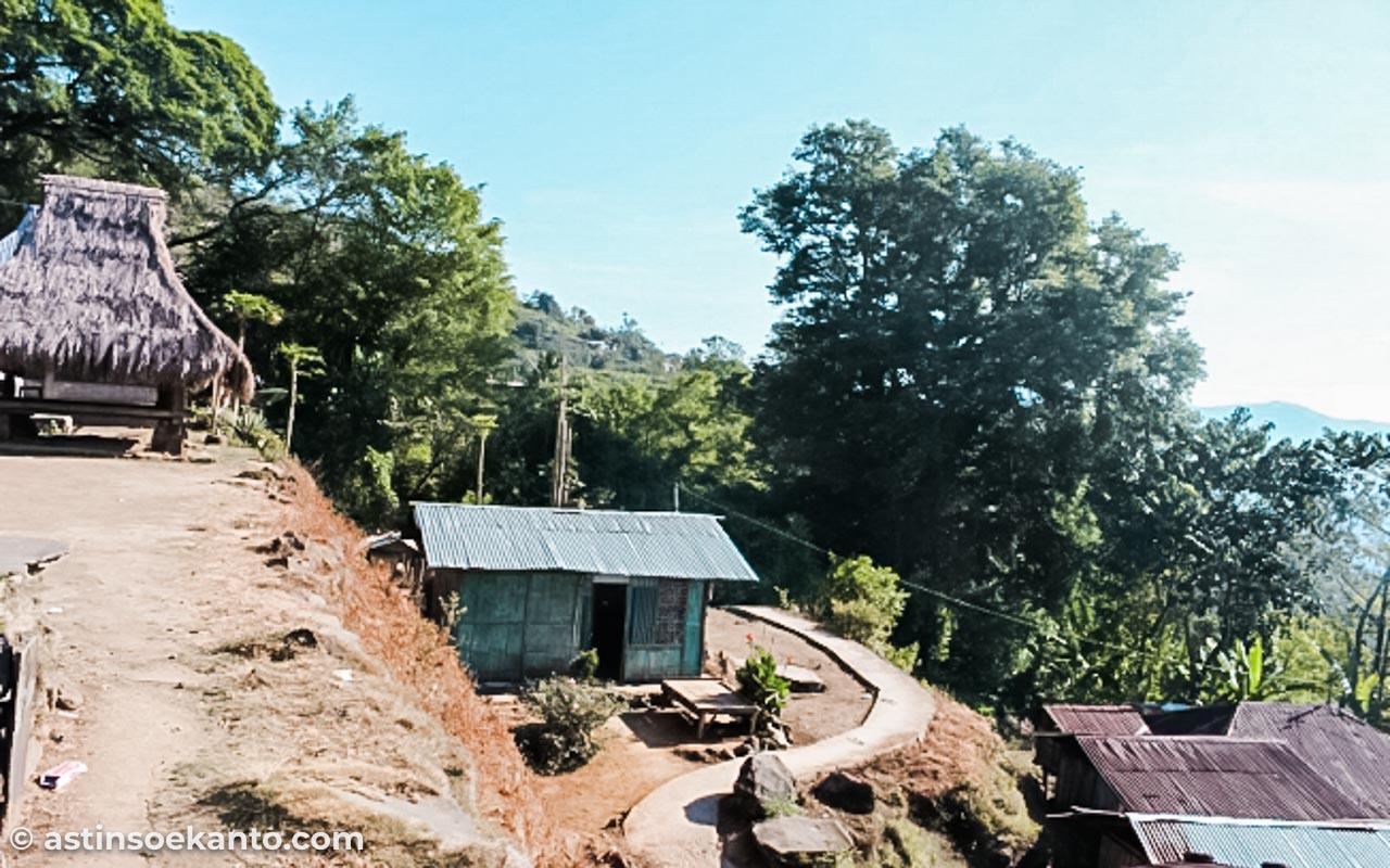 Desa Pemo Moni