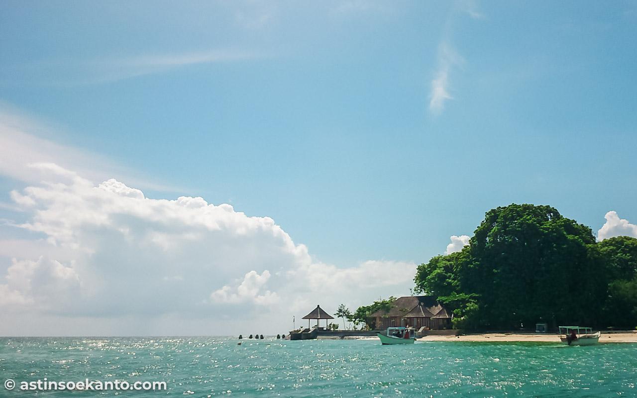 Keindahan Pulau Samalona dari kejauhan