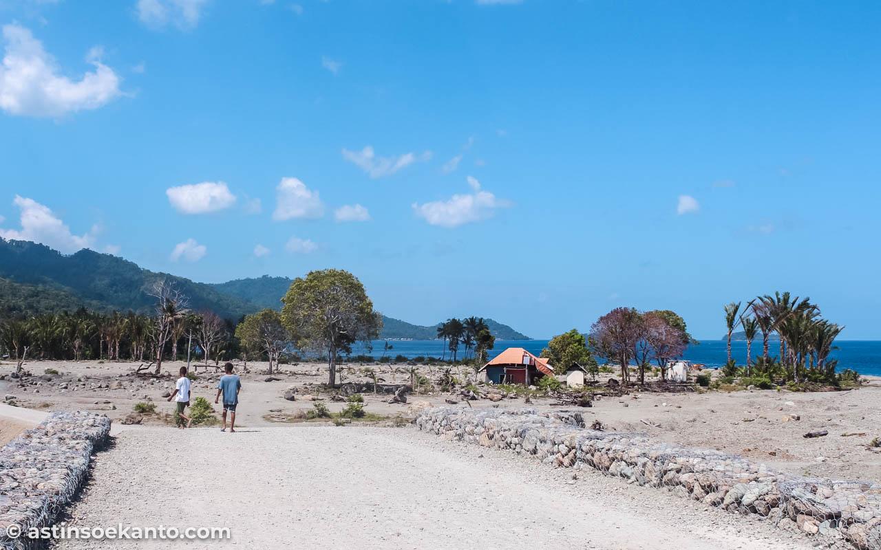 Desa Seith yang disapu bersih air bandang Bendungan Way ELa