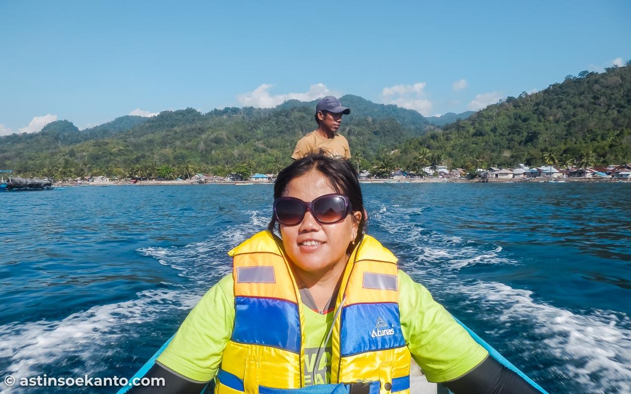Menyeberang ke Pulau Nusa Telu
