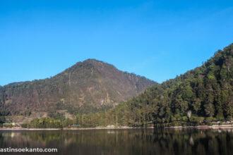 Keindahan pegunungan di Telaga Sarangan