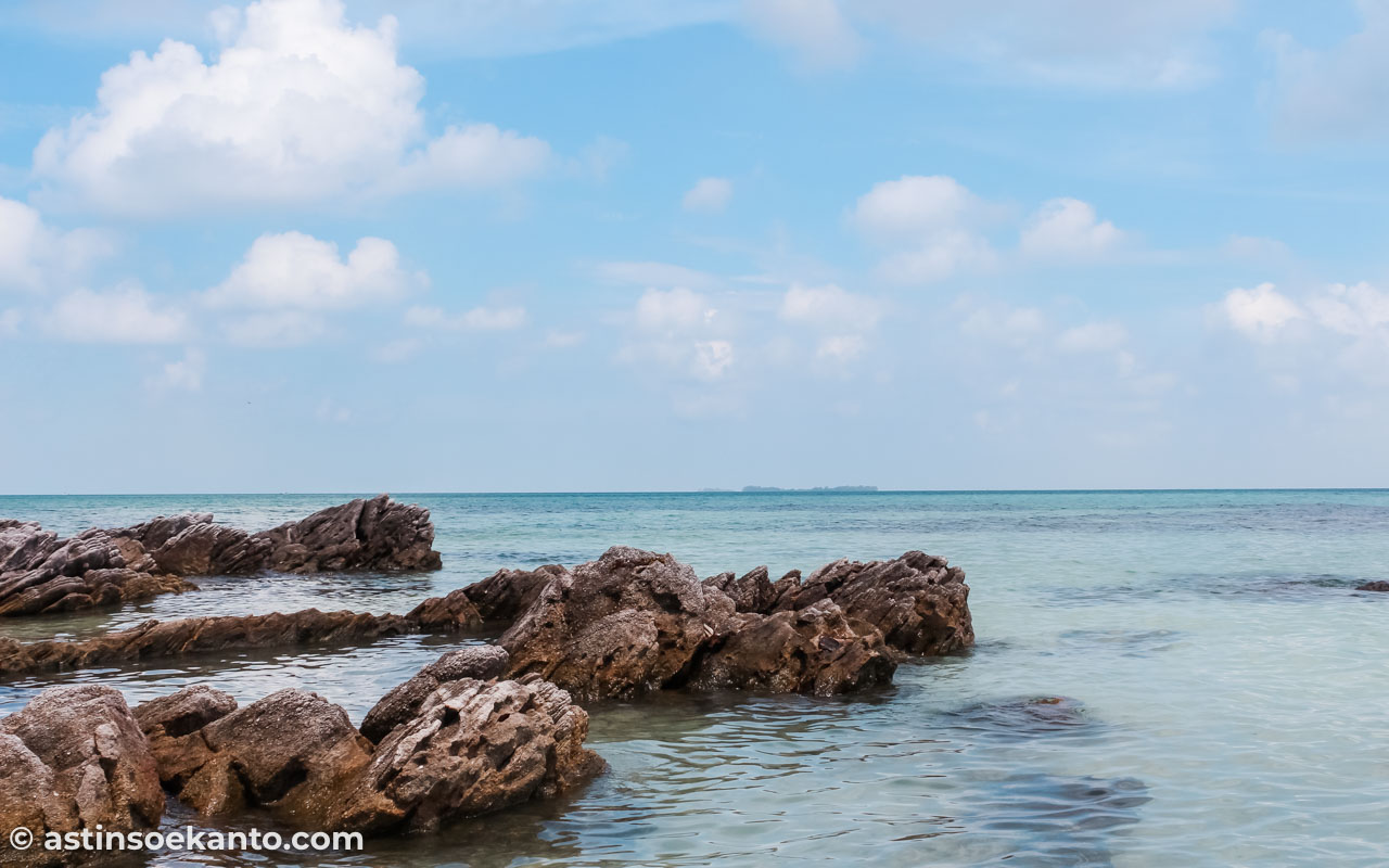Pesona Pantai Geleang di Karimun Jawa