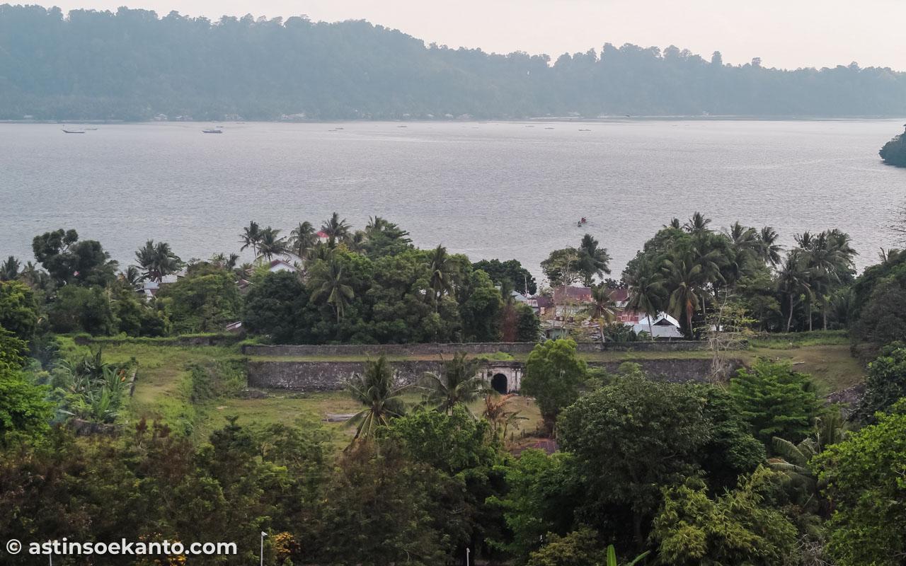 Benteng Nassau dilihat dari Benteng Belgica
