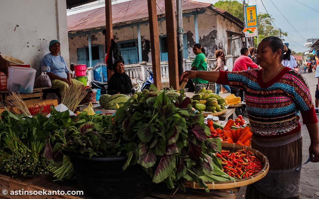 Pasar tradisional di Banda Neira