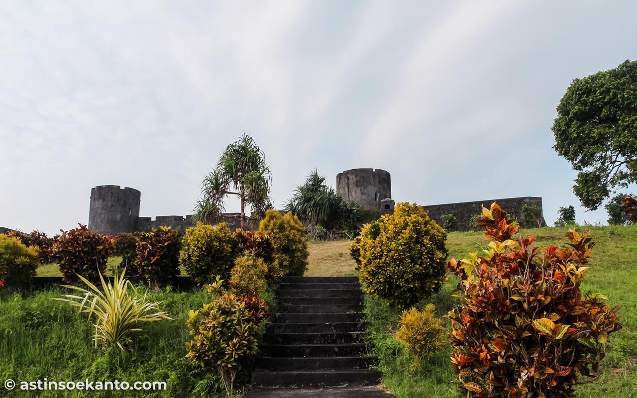 Benteng Belgica yang masih berdiri kokoh di Banda Neira