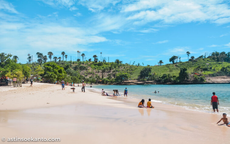 Pesona Pantai Coro Tulungagung
