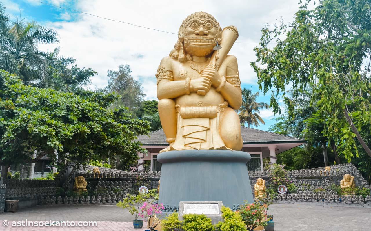 Salah satu patung raksasa di Pesanggrahan Retjo Sewu