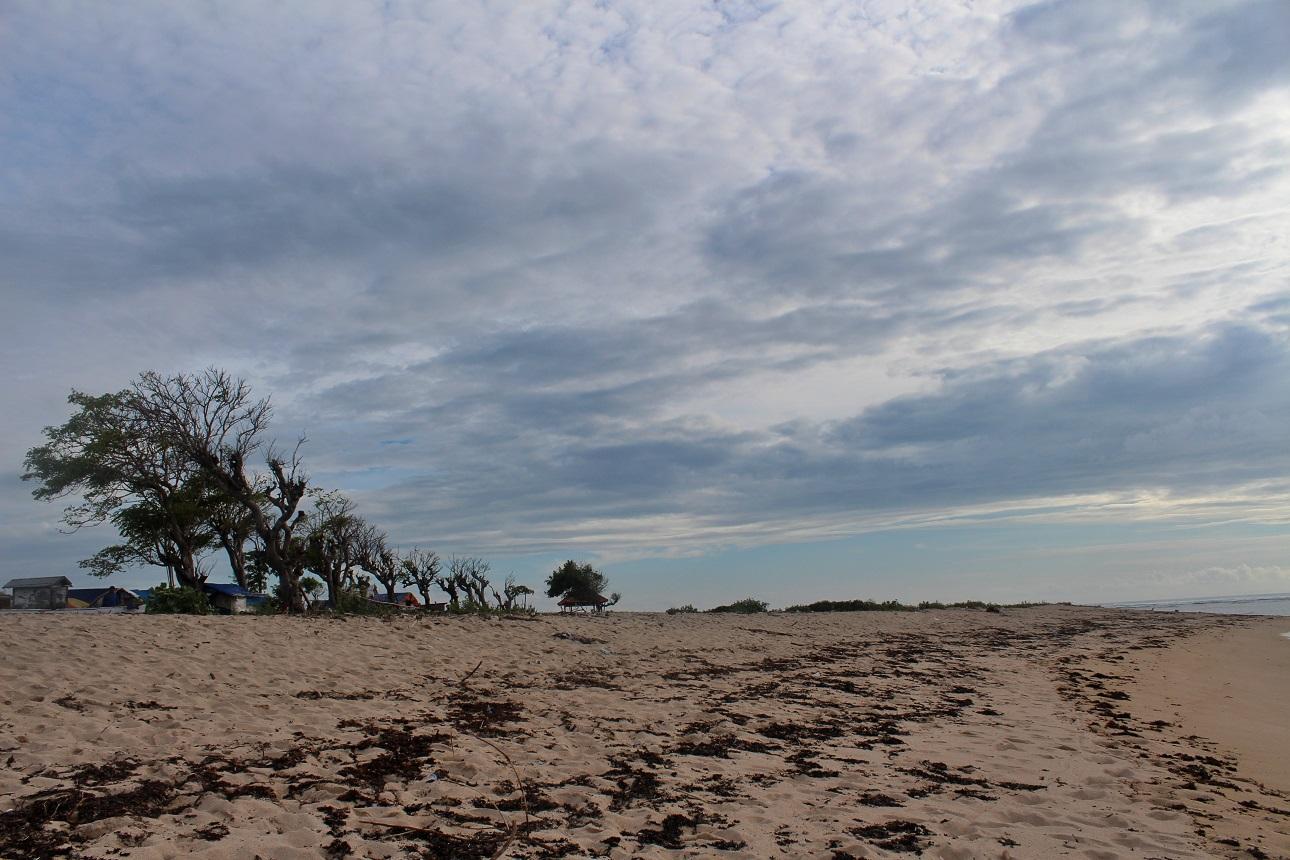 Pasir Putih Lakey Beach