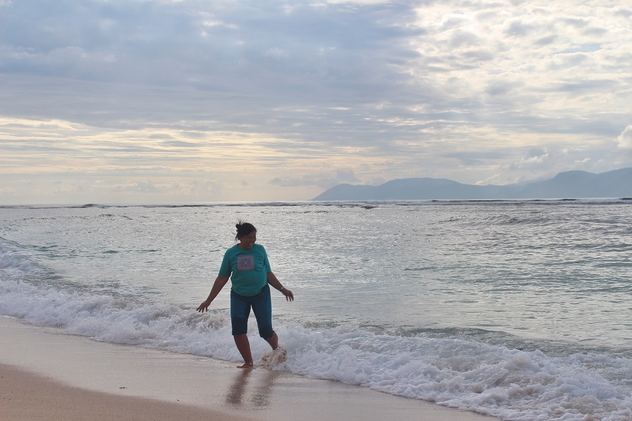 Ombak Kecil di Lakey Beach Dompu